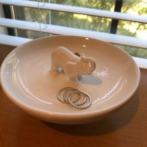 Jewelry - Elephant jewelry stand